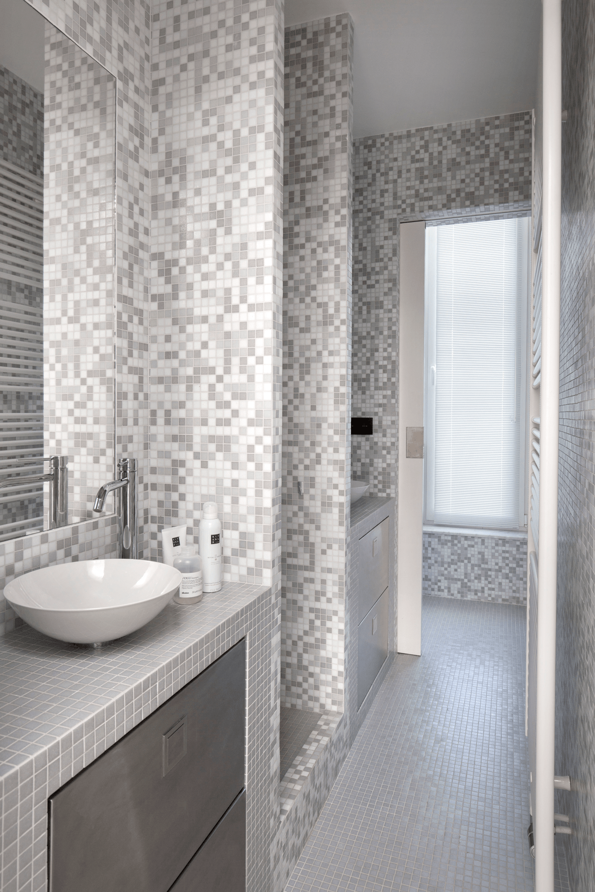 Twin Bathroom Featured Image